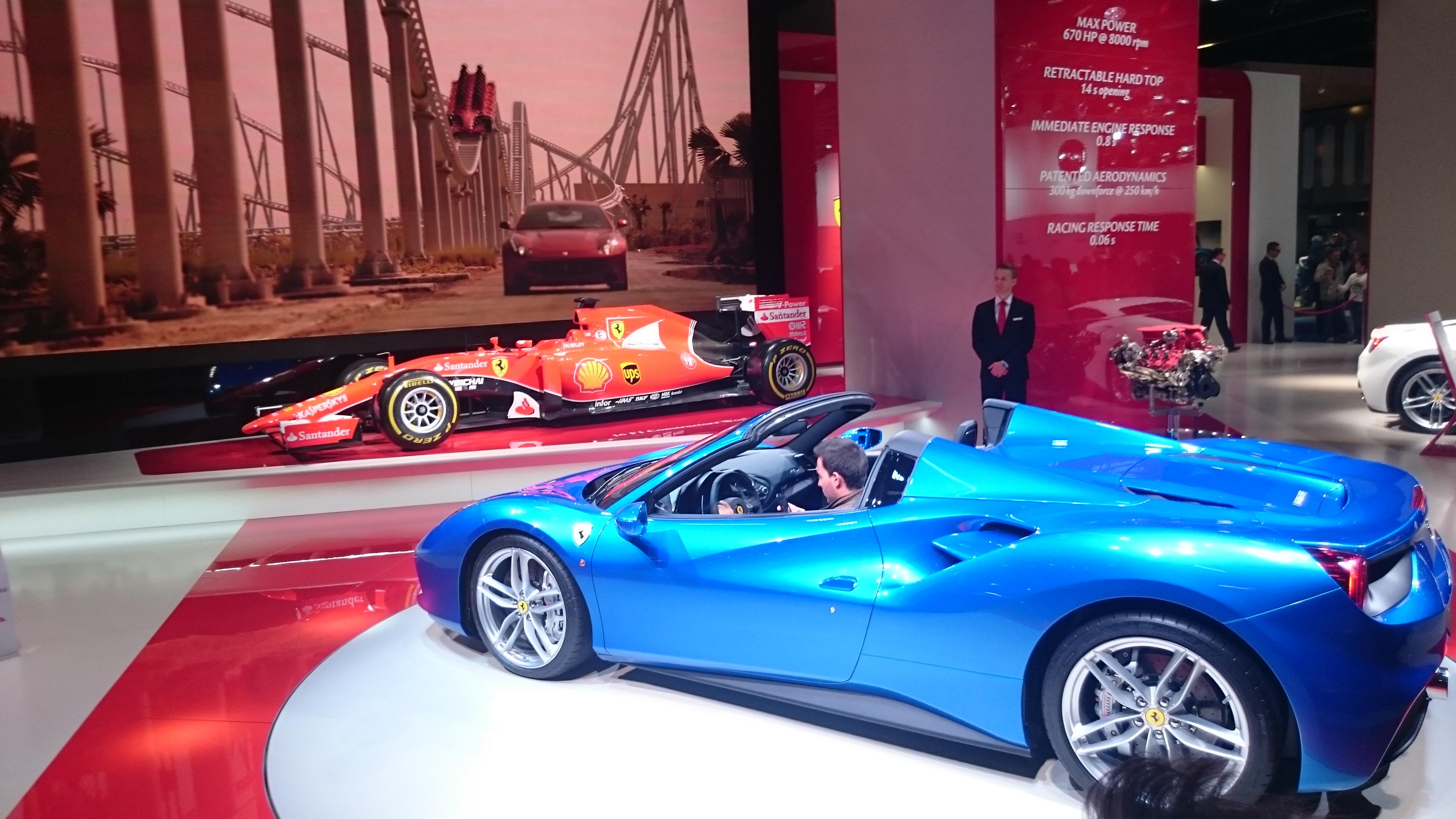Fotos normales Stand de Ferrari #VidePan en #IAA2015