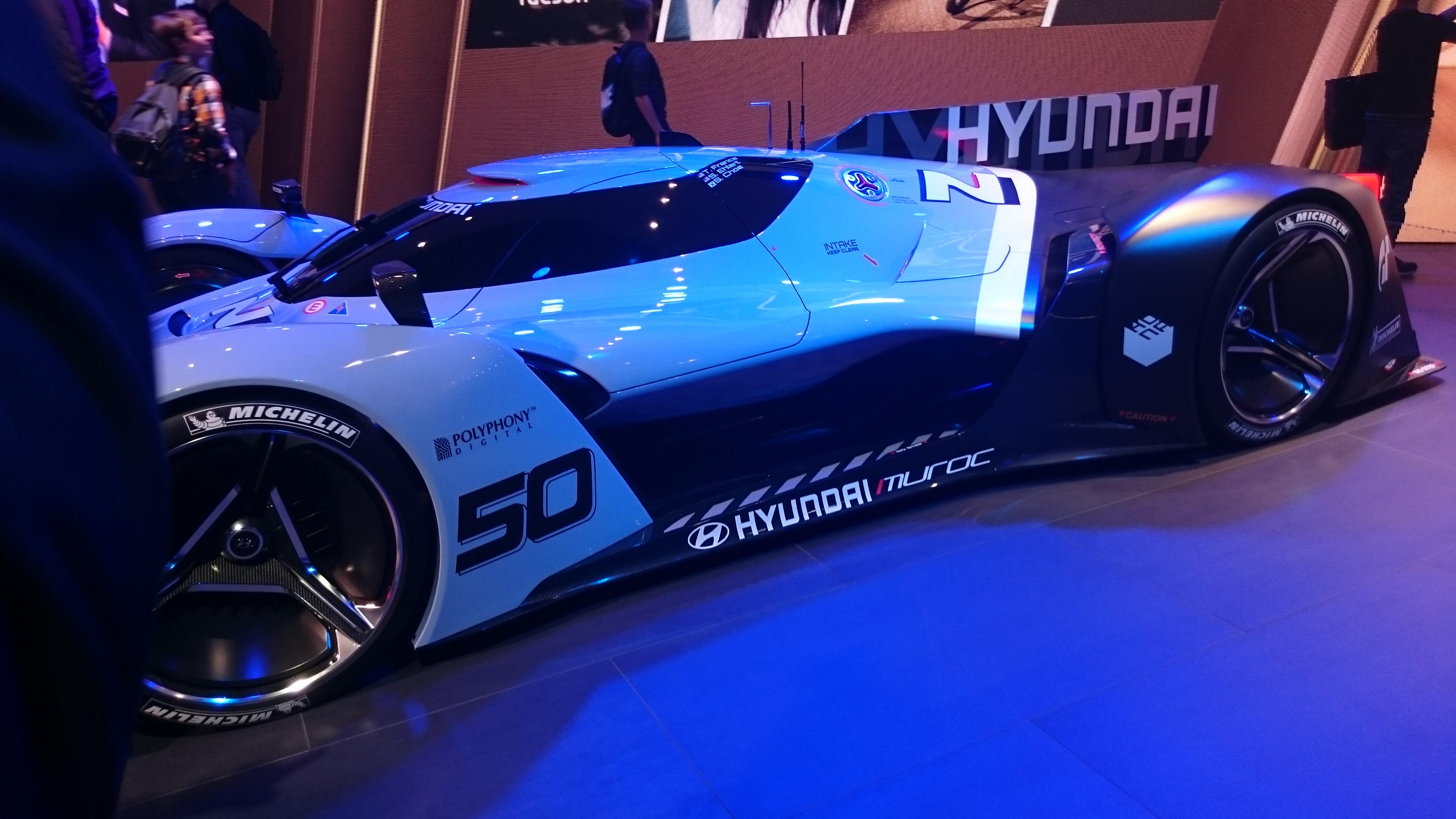 Fotos normales de Hyundai N 2025 Vision GT #VidePan en #IAA2015