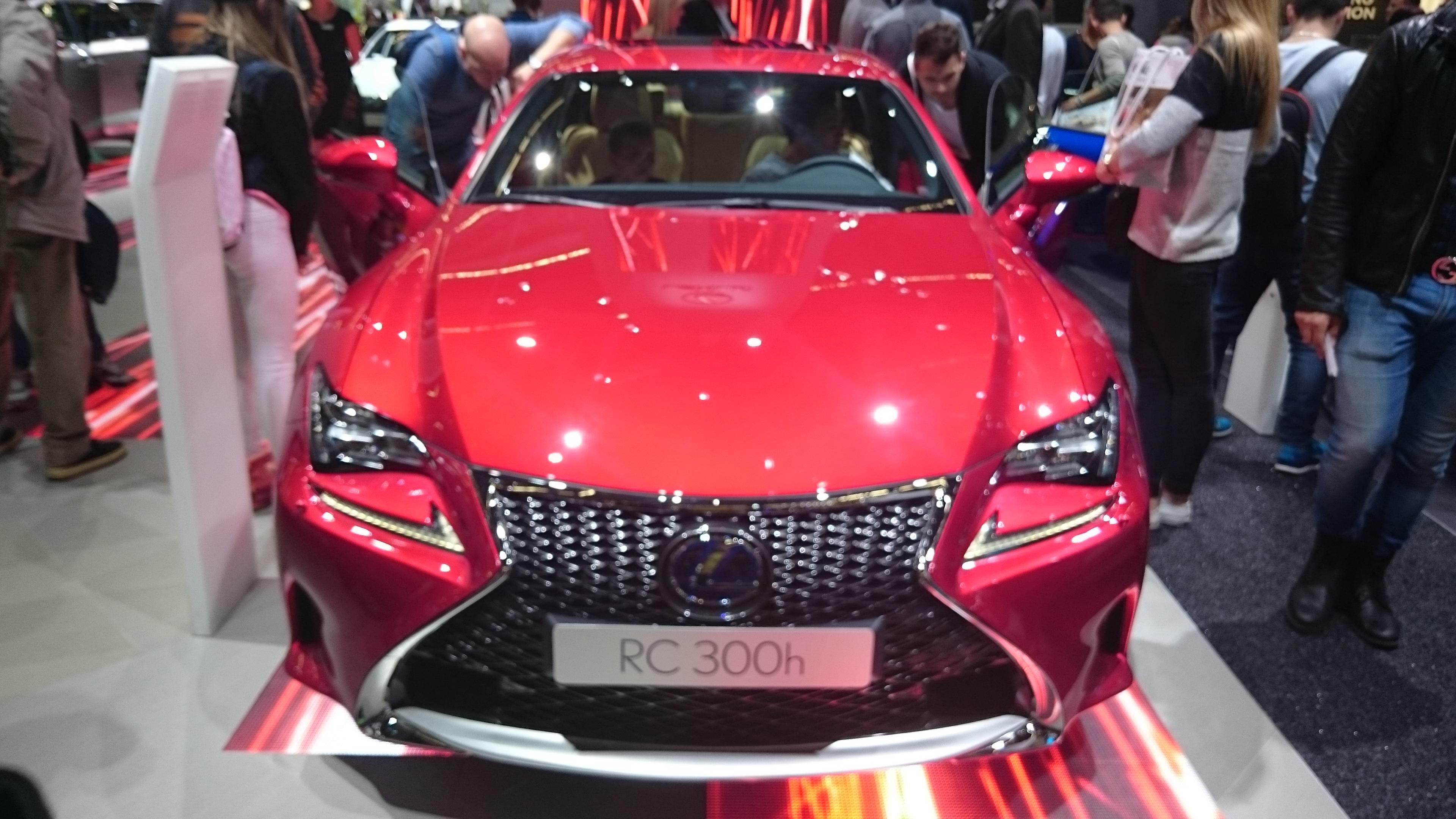 Fotos normales de varios modelos de Lexus en el IAA2015 #VidePan en #IAA2015
