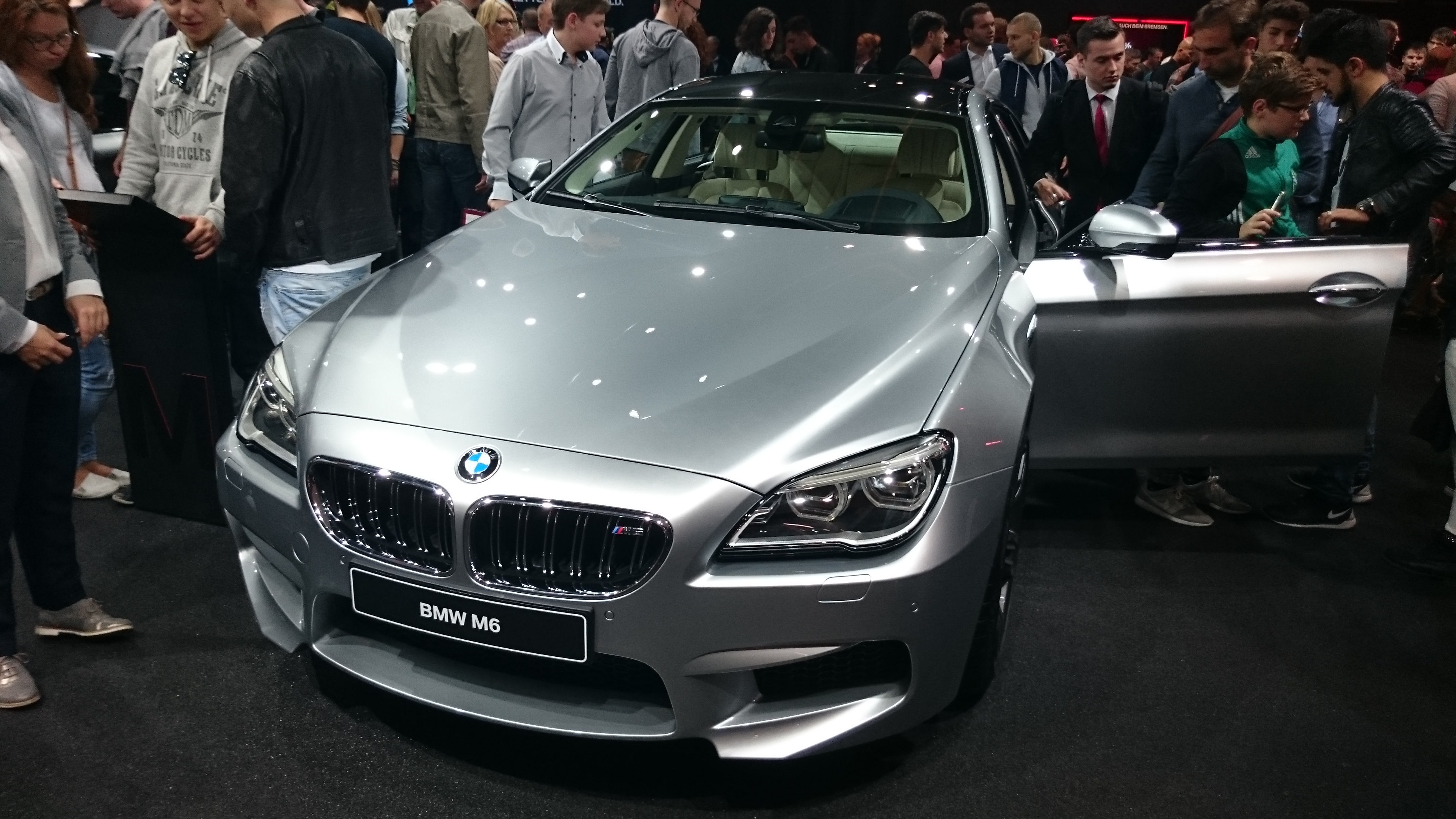 Foto normal del BMW M6  #VidePan en #IAA2015