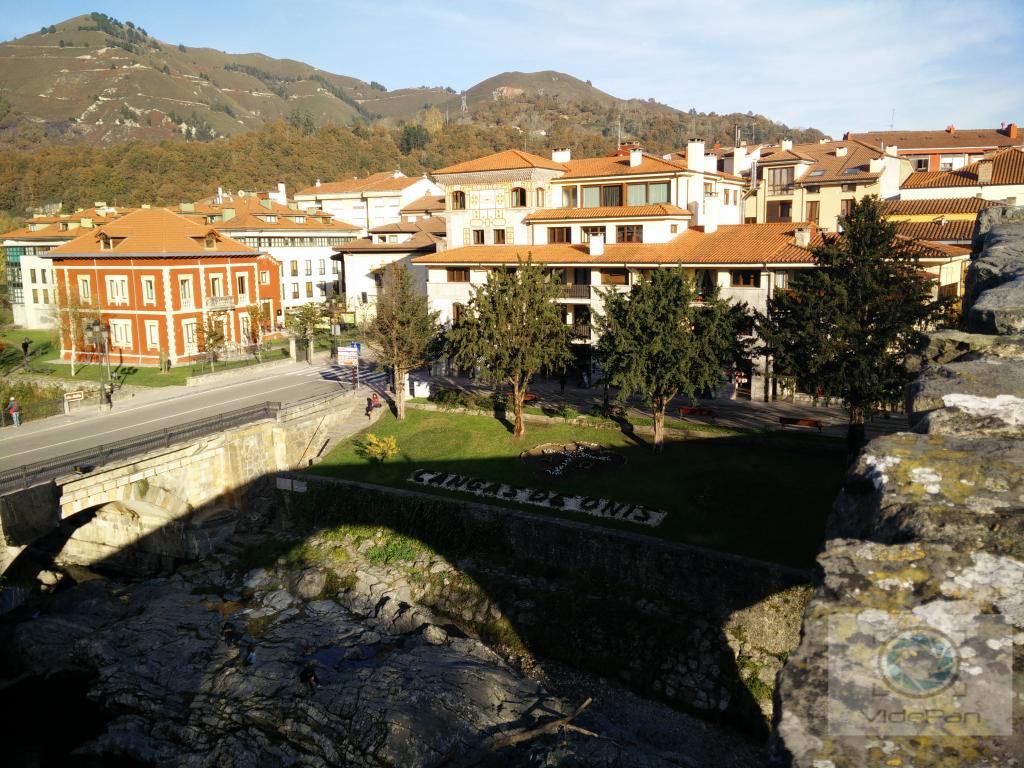 Fotos 360 Cangas de Onís en letras de piedra. #VidePan por #Asturias