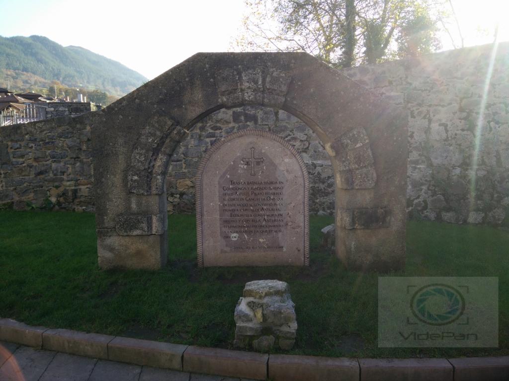Fotos 360 Estela conmemorativa de Cangas de Onís. #VidePan por #Asturias