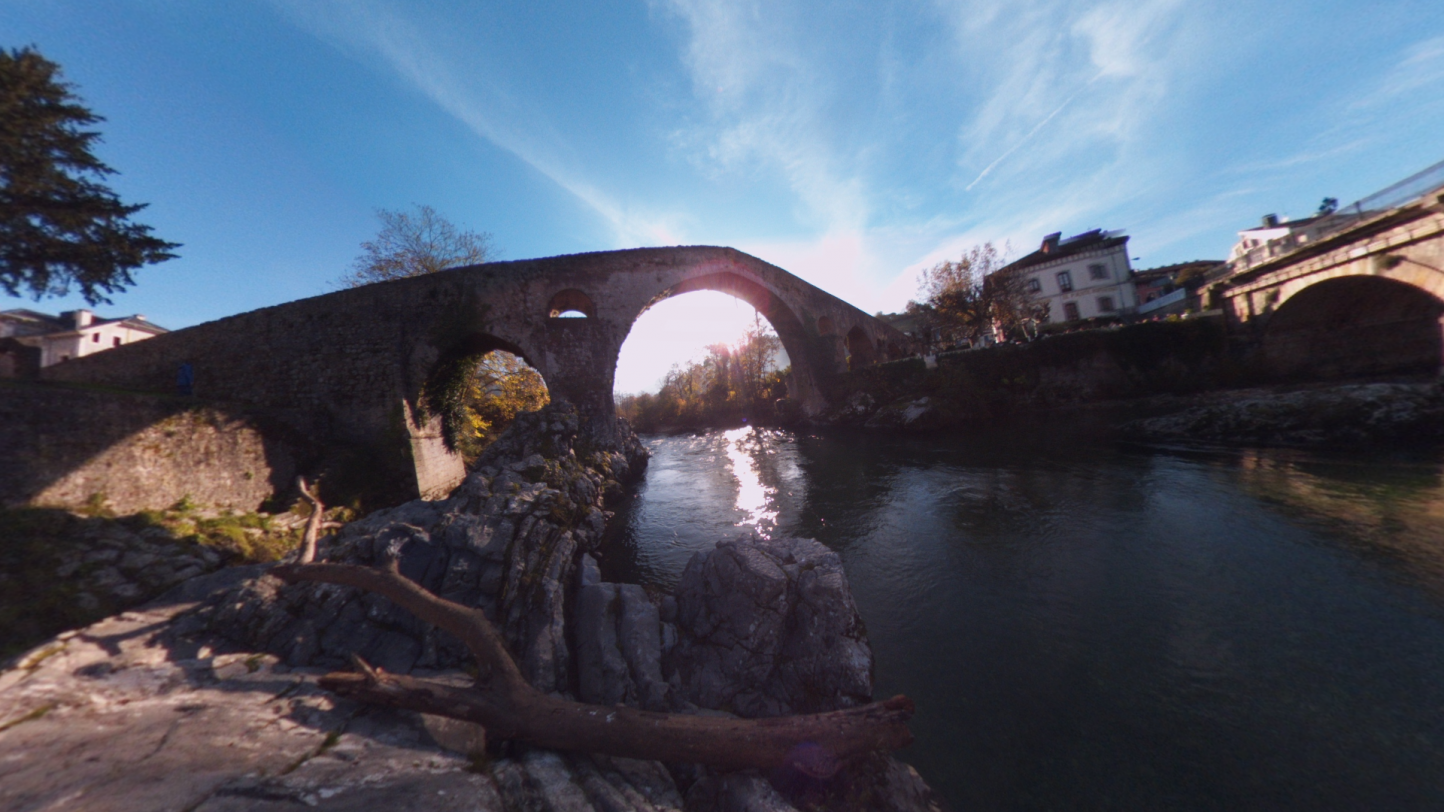Fotos 360 Orilla del Río Sella en Cangas de Onís. #VidePan por #Asturias