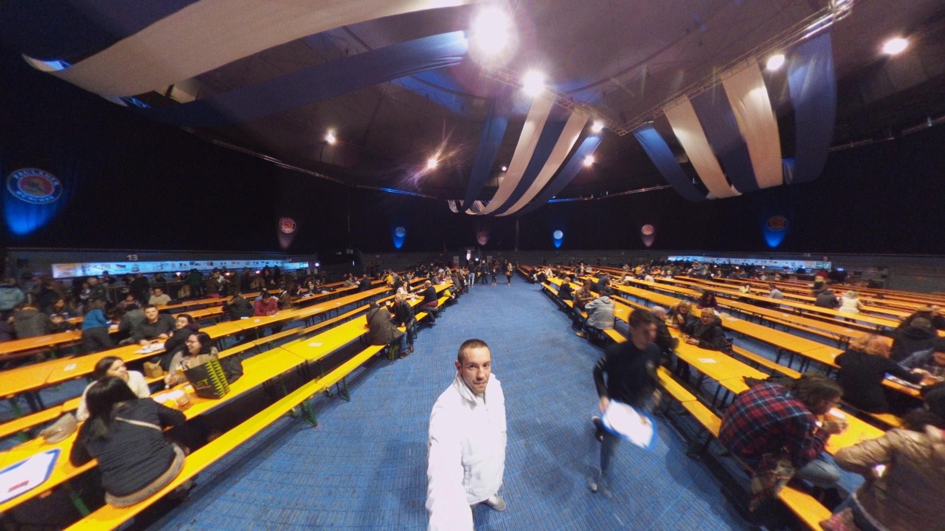 Fotos 360 Zona central de la feria de la cerveza.#VidePan en #FeriaCervezaMad
