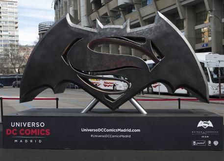Fotos 360 Símbolo de Batman vs Superman. #VidePan por #Madrid