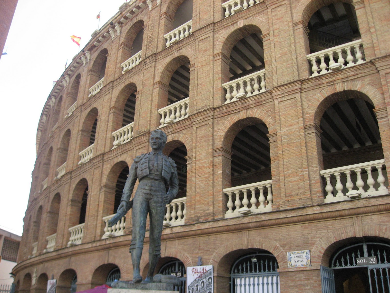 Fotos 360 Estatua de Manolo Montoliu. #VidePan por #Valencia