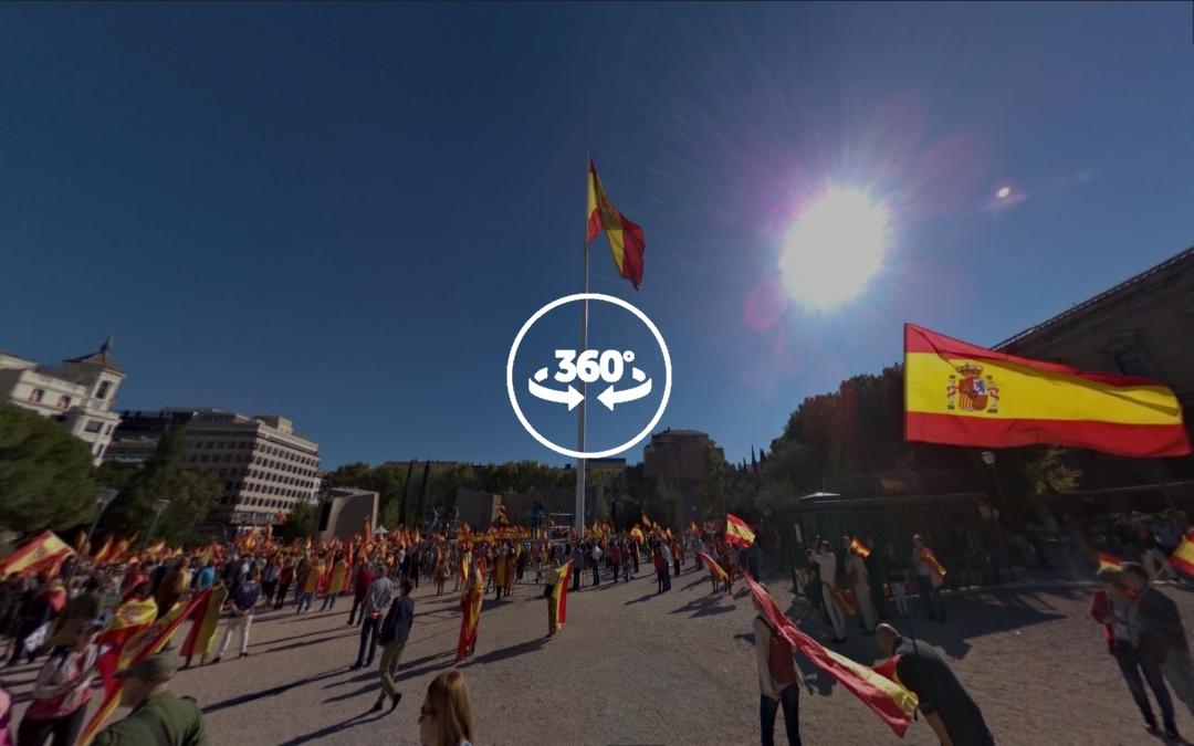 Foto 360 Manifestación por la unidad de España en la Plaza Colón de Madrid 2