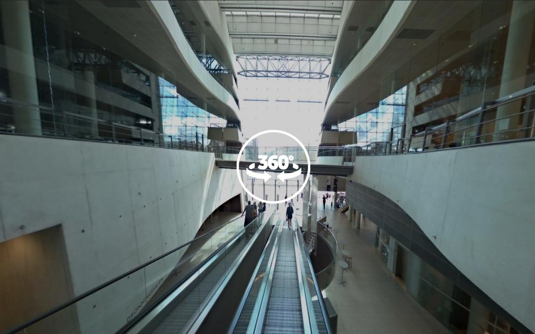 Foto 360 Escaleras mecánicas de la Biblioteca Real Danesa. VidePan en Copenhague