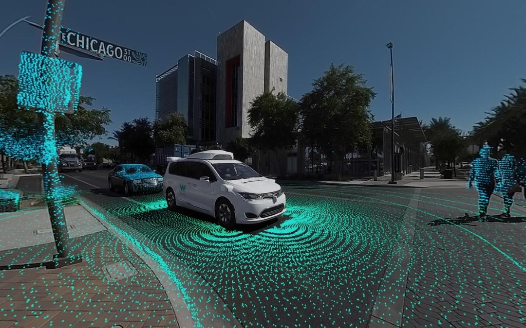 Vídeo 360°. Así funcionan los coches autónomos de Waymo tras 8 millones de kms
